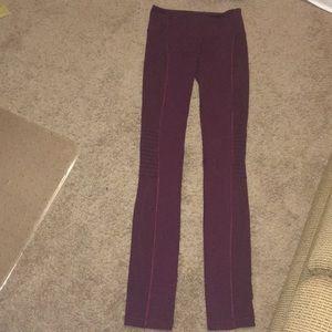 Lululemon maroon tights sz 4